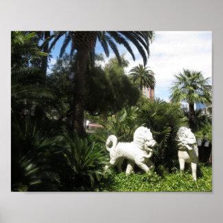 LION White Idol Immitation Replica in Plaster Poster