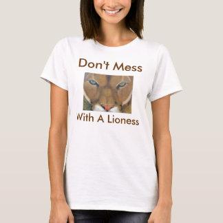 Lioness - 1 T-Shirt
