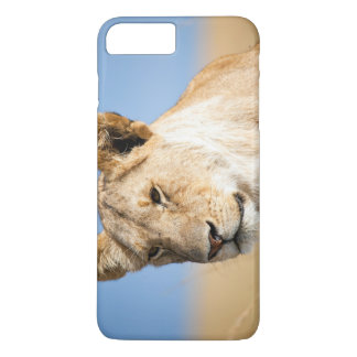 Lioness against blue sky iPhone 7 plus case