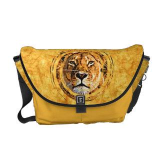LIONESS FACE Messenger Bag