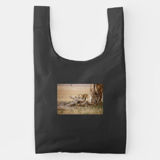 Lioness stretching reusable bag