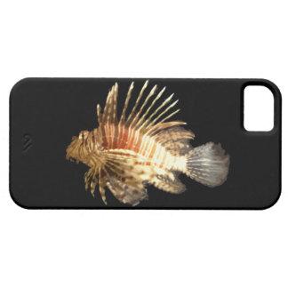 Lionfish contra un fondo oscuro iPhone 5 Case-Mate cárcasa