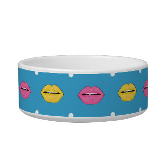 Lip pop art fashion pattern with dots bowl