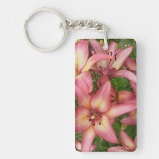 Lirio asiático rosado llavero rectangular acrílico a doble cara