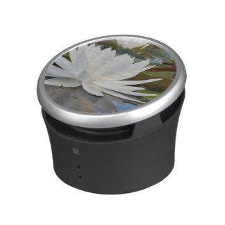 Lirio de agua fragante (Odorata del Nymphaea) en Altavoz Bluetooth