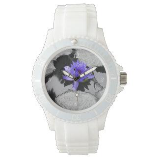 Lirio de agua solitario relojes de pulsera