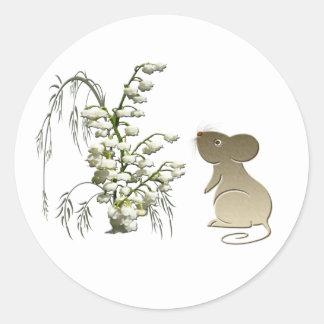 Lirio de los valles y arte lindo del ratón pegatina redonda