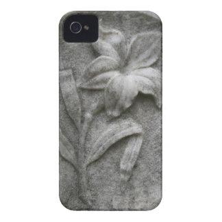 Lirio en la piedra Case-Mate iPhone 4 cobertura