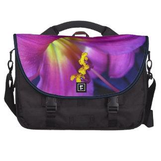 Lirio púrpura poético conmovedor bolsas para portátil