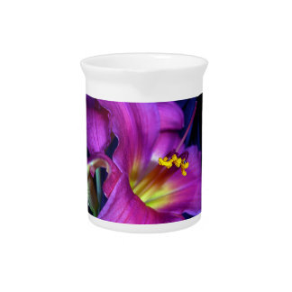 Lirio púrpura poético conmovedor jarra de beber