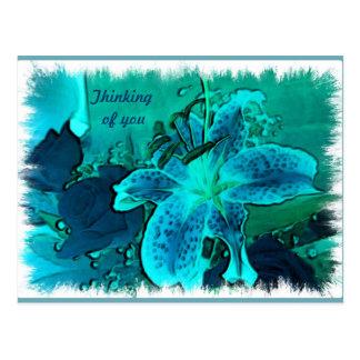 Lirio y postal azules de los rosas