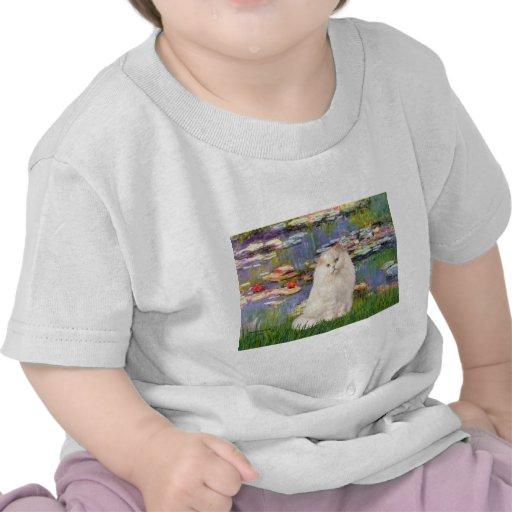 Lirios 2 - Gato persa blanco Camiseta