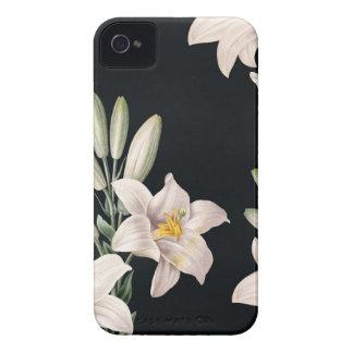 Lirios blancos y negros dramáticos Case-Mate iPhone 4 funda