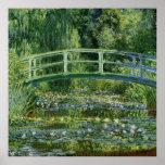 Lirios de agua de Claude Monet y puente japonés Poster
