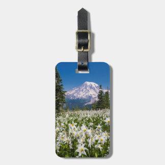 Lirios de avalancha y el Monte Rainier 2 Etiquetas De Equipaje