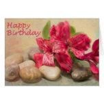 Lirios de feliz cumpleaños de la tarjeta del Nilo
