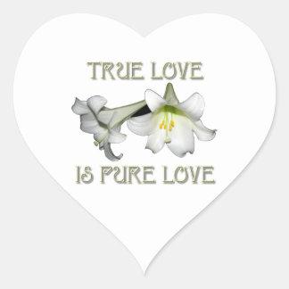 Lirios de pascua blancos: El amor verdadero es Pegatina En Forma De Corazón