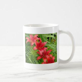 Lirios rojos taza
