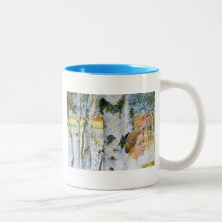 Lisbeth en los árboles de abedul taza de dos tonos