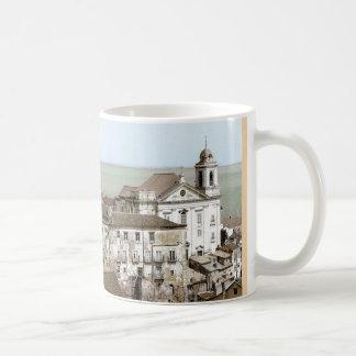 LISBOA Y la taza blanca del TAJO (de Alfama)