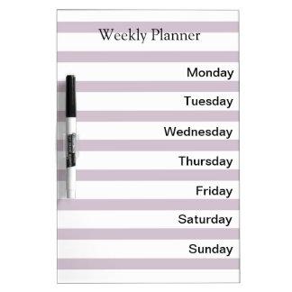 Lista semanal del planificador del día pizarra blanca