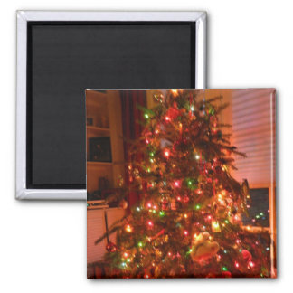 Lit Christmas Tree Magnet