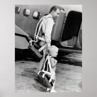 Little Boy que lleva el paracaídas, los años 40 Póster
