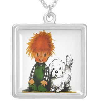 Little Boy valiente y su collar del perro