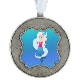 Little mermaid con el ejemplo del espejo y de la adorno ondulado de peltre