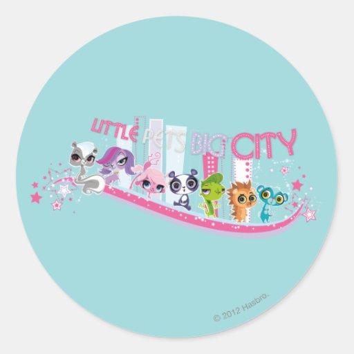 Little Pets Big City Classic Round Sticker