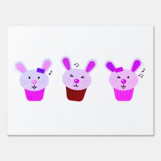 Little three bunnies : Yard sign