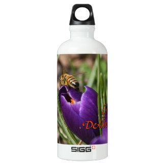 Live Deliberately w/honey bee pollinating Crocus SIGG Traveler 0.6L Water Bottle