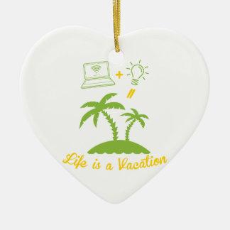 Live es vacaciones adorno de cerámica en forma de corazón