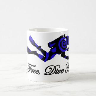 Live free dive hard, tribal diver coffee mug
