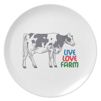 Live Love Farm Plates
