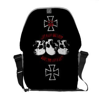 Live nearly - 3skulls messenger bag