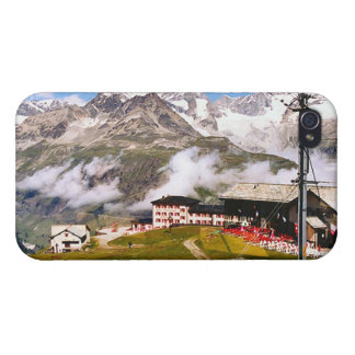 Living high, a home in the mountains case for iPhone 4
