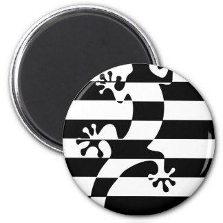 LIZARD WHITE $ BLACK STRAP MAGNET
