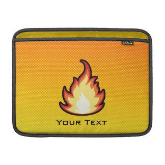 Llama amarillo-naranja del fuego fundas MacBook