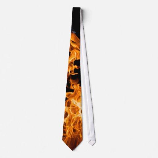 Llama anaranjada corbatas