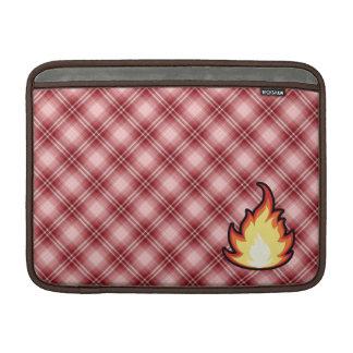 Llama roja del fuego de la tela escocesa funda para macbook air