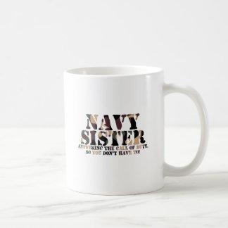 Llamada de contestación de la hermana de la marina taza clásica