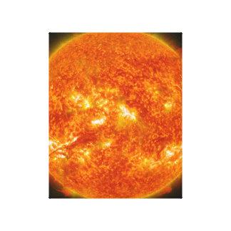 Llamarada solar o eyección total de la guirnalda e impresion en lona