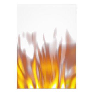 Llamas ardientes ardientes calientes invitación