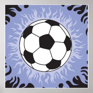llamas azules del balón de fútbol póster