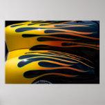 Llamas clásicas amarillas del coche impresiones