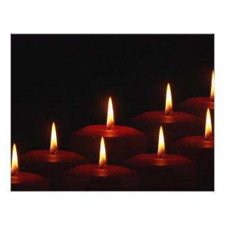 Llamas de vela del advenimiento del día de fiesta tarjetones