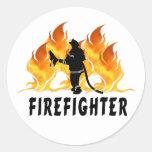 Llamas del bombero pegatina redonda