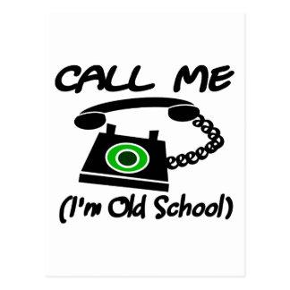 Llámeme, yo son escuela vieja con el teléfono retr postal