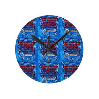 Llave al dril de algodón de los tejanos de la cita relojes